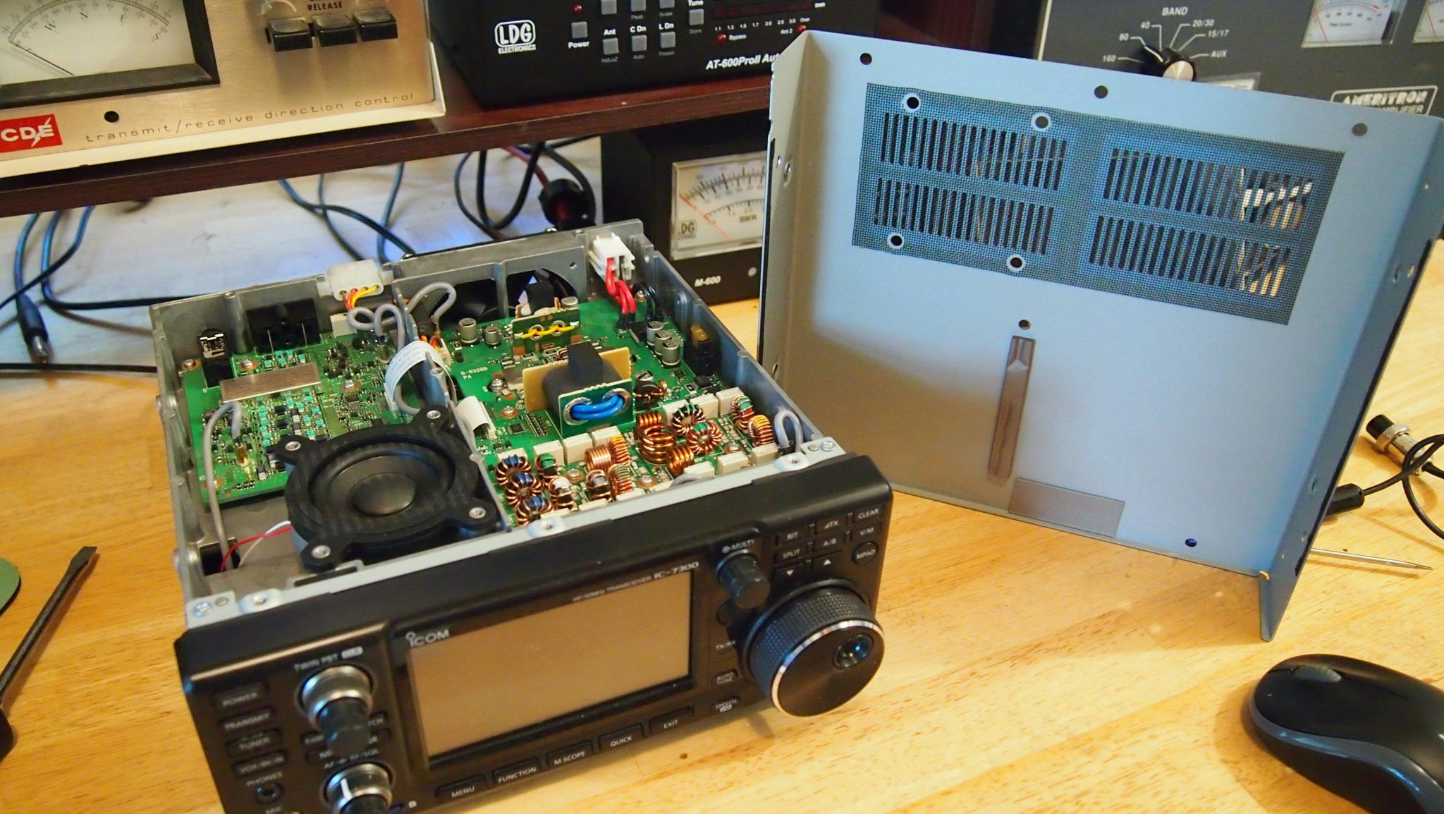 Inrad RX7300 Modification On Icom 7300 Keeping External